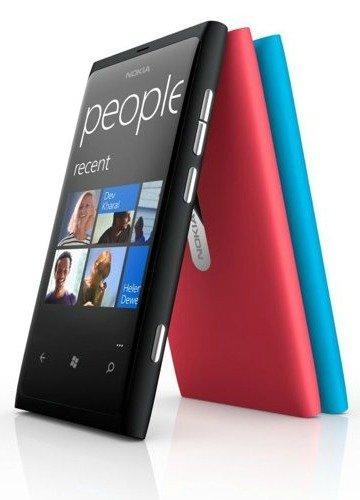 Nokia Lumia 800 disponible con acabado en color cyan y magenta.